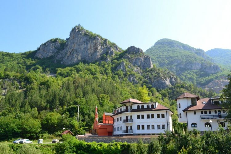 manastir_dobrun-1-1080x720